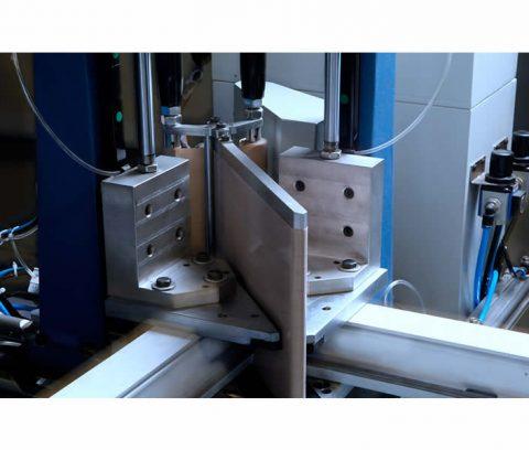 Masina de sudat profile pvc la 4 capete marca Ozgenc model OMRM 122 -7
