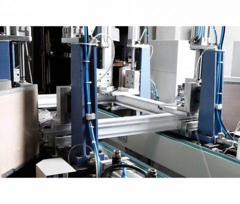 Masina de sudat profile pvc la 4 capete marca Ozgenc model OMRM 122 -5